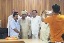 Several Congress Workers, Some Valmiki Community Members Join AAP in Presence of Kejriwal