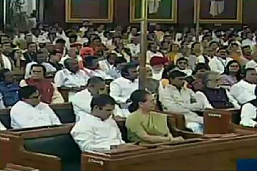 Rahul Gandhi Browses Phone During President's Address in Lok Sabha, Congress Says He Listened to Whatever was
