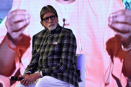 Bollywood actor Amitabh Bachchan takes part in a launch event for the water conservation effort 'Mission Paani' in Mumbai. (Image: AFP)