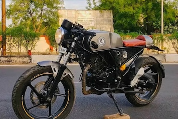 Bajaj Discover Modified Into A Cafe Racer Can Challenge The Royal