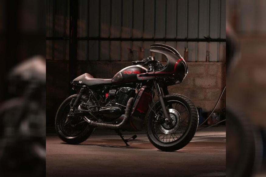 This Modified Jawa Forty-Two Motorcycle is As Dark As it Can Get