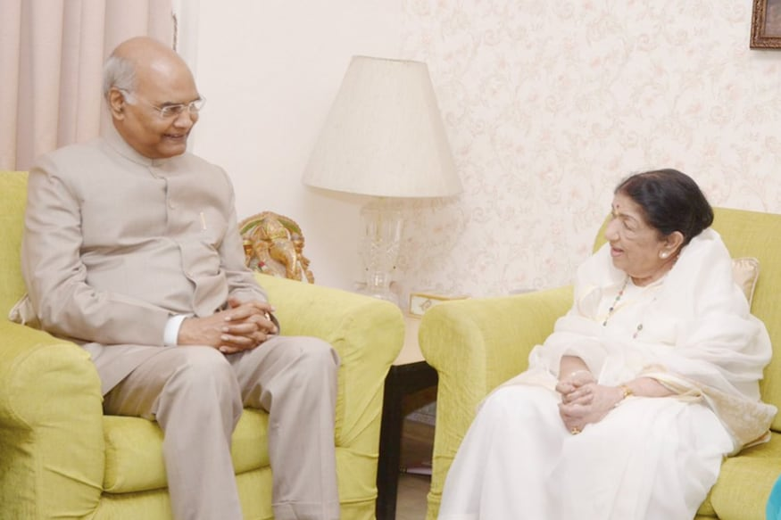 President Ram Nath Kovind, Lata Mangeshkar Meet at Her Mumbai Residence; Share Photos on