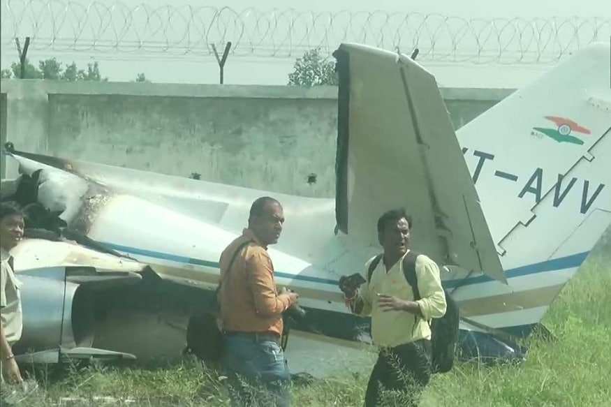 Trainer Aircraft Crashes While Landing at Aligarh's Dhanipur Airstrip, No Injuries Reported