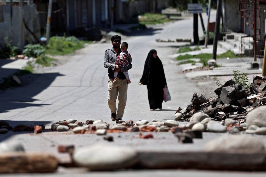 Shop and Schools Shut, Public Transport Off the Roads, Normal Life Remains Affected in Kashmir