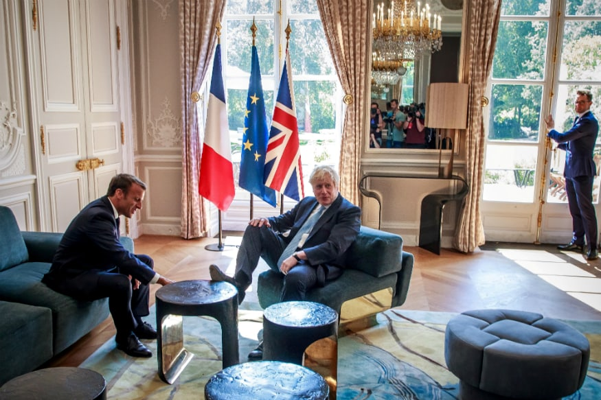 At Ease in Paris! UK's Boris Johnson Puts His Feet Up on Table in French President Macron's Palace
