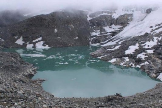 The lake would be the world's highest lake if its altitude of 5000-plus metres is officially verified. (Photo: Facebook)