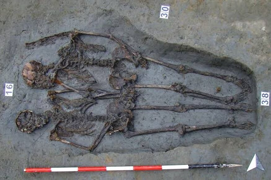 Lovers of Modena, Famous Skeletal Couple Buried Holding Hands, Were Both Men