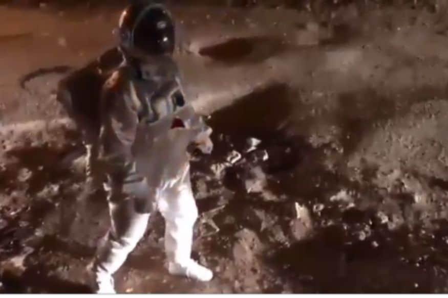 Artist, Dressed up as Astronaut, 'Moonwalks' on Crater-size Potholes in Bengaluru