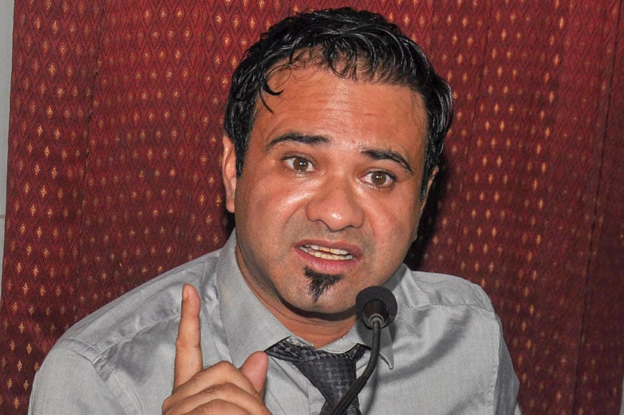 Dr Kafeel Khan Arrested by UP STF in Mumbai for Making 'Inflammatory' Remarks at Anti-CAA Rally in Aligar... - News18