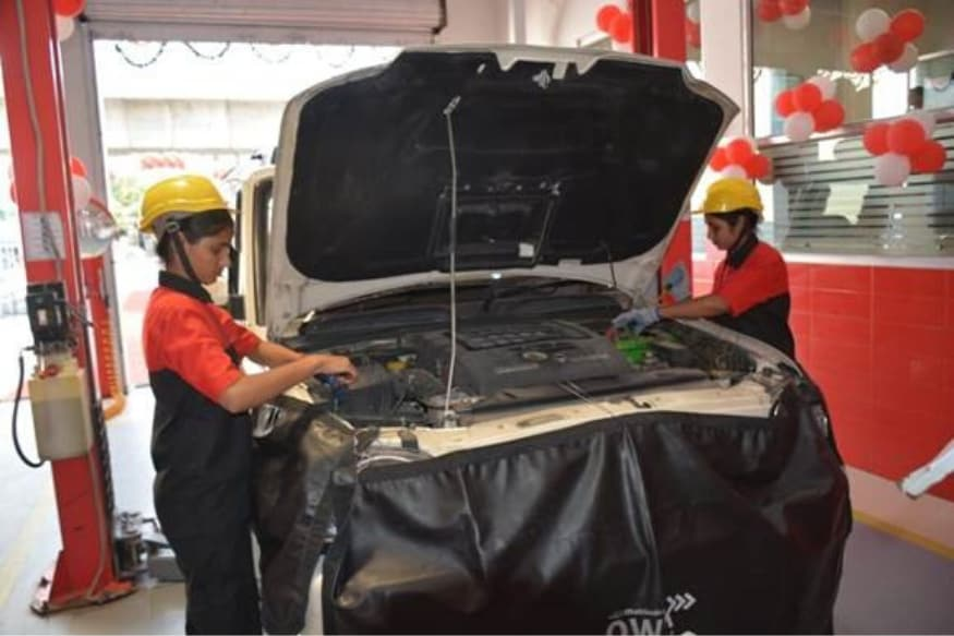 Indiau2019s First All Women-Run Automobile Service Station Inaugurated by Mahindra in Jaipur