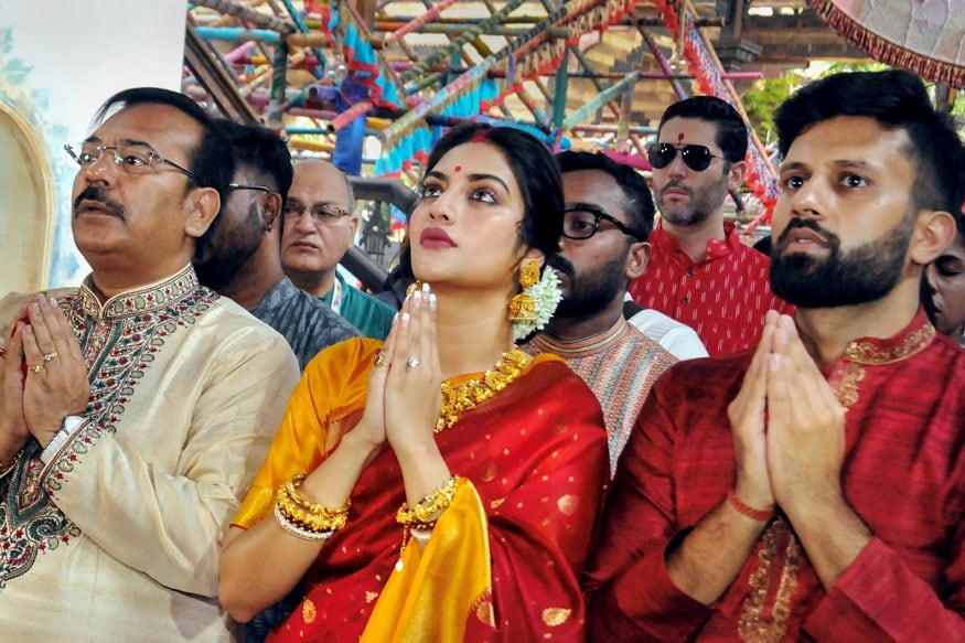 Indian Woman Known by Husband's Faith, Says BJP MP after Cleric Slams Nusrat Jahan's Puja Festivities