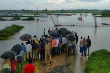 As 12 Feared Dead in Karnataka Floods, 11-yr-old Calls out Govt Apathy from Knee-Deep Water