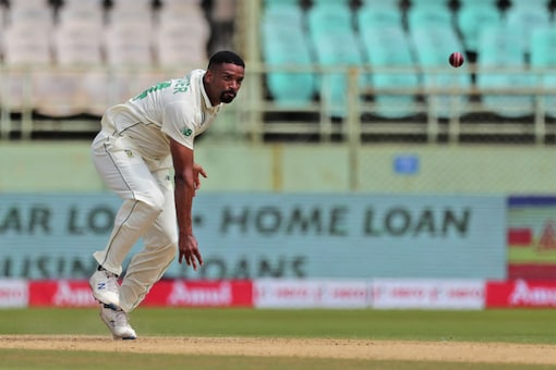 South Africa's Vernon Philander in action. (Image: AP)