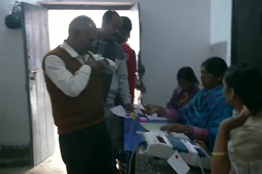 Jharkhand Assembly Election 2019: Amid Tight Security in 1,711 Naxal-hit Area, 2nd Phase of Voting Begins