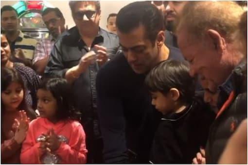 Salman Khan Cuts Birthday Cake with Family, Watch Video