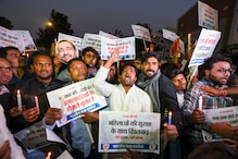 IYC, NSUI Members Take out Candlelight March Demanding Justice for Family of Unnao Rape Victim