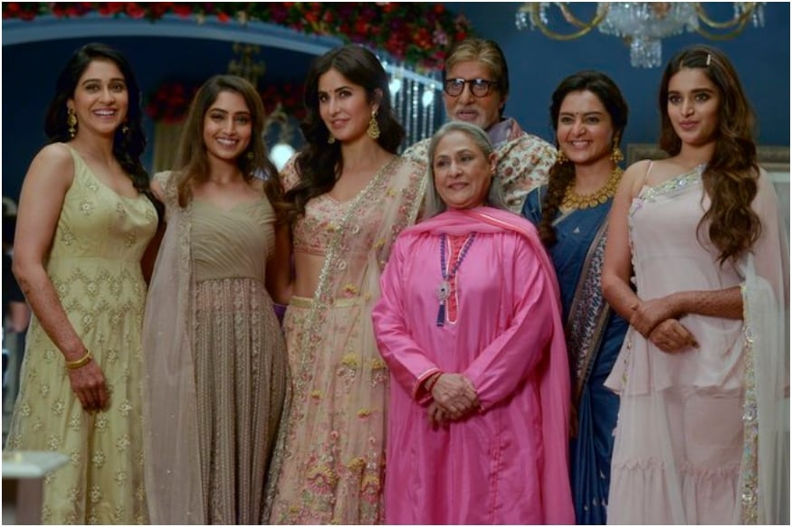 Amitabh Bachchan and His 'Ladies at Work' Stun in Ethnic Wears, See Pic