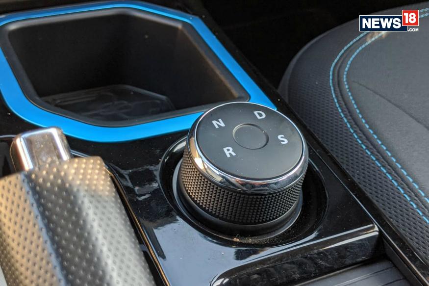 Tata Nexon EV gear selector knob. (Image courtesy: Manav Sinha/News18.com)