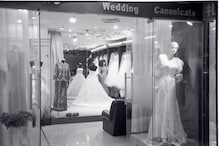 Woman Calls off Wedding After Stumbling Upon Fiancé's Online Rant About Her 'Costly' Dress