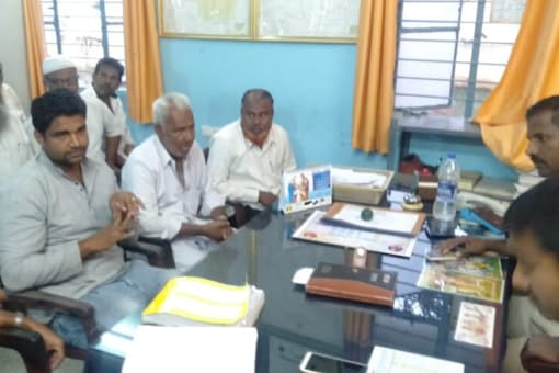 Religious heads of mosques and clerics of madrasas hold a meeting with police in Gundulpet on Tuesday. (News18)