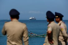 Cruise Ship Turned Away by Five Countries Over Coronavirus Fears Arrives in Cambodia