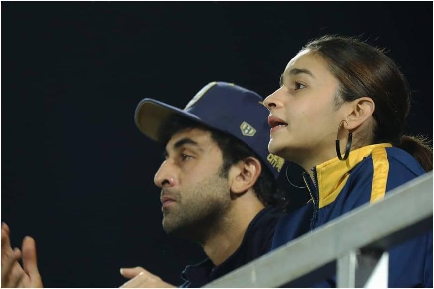 Ranbir Kapoor, Alia Bhatt Twin as They Watch Football Match in Mumbai, See Pics