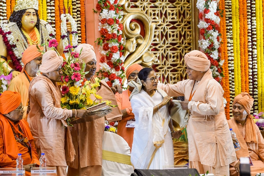 'Hindu Dharma is for All': Why Mamata Banerjee's Address on Appeasement Politics May Have an AAP Link