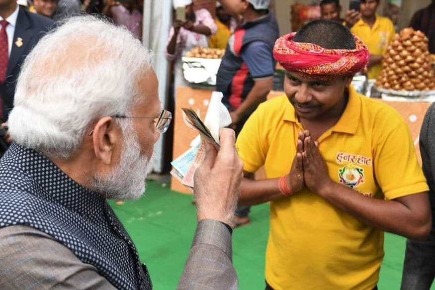 PM Modi Paid Rs 80 for the 'Litti Chokha' He Ate at Hunar Haat in Delhi