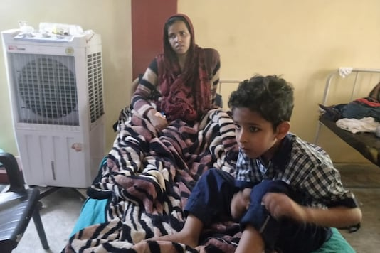 File photo of Shabana from Karwal Nagar who delivered a baby on Wednesday (Eram Agha/News18)