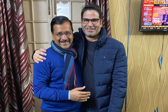 Delhi CM Arvind Kejriwal (left) and election strategist Prashant Kishor. (News18 India)
