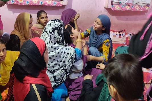 Mustafabad resident Anam Khan, 20, fell ill on Thursday after her family received the news of her brother's death | Image credit: Rakhi Bose, News18