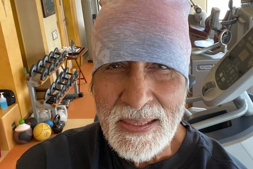 Amitabh Bachchan Thanks Well-wishers, Can't Say More as Hospital Protocol is Restrictive