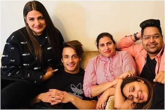 Pics of Asim Riaz Bonding with Himanshi Khurana and Her Mother in Chandigarh Go Viral