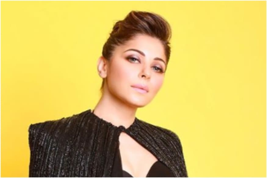 Controversy Erupts Over Lucknow Administration Not Sealing Kanika Kapoor's Building thumbnail