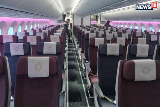 Vistara Boeing 787-9 Dreamliner cabin. (Image: Arjit Garg/News18.com)