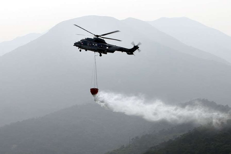 Blessings from the Sky! Sri Lanka Fights Coronavirus With Buddhist Holy Water Sprinkled from Helicopters