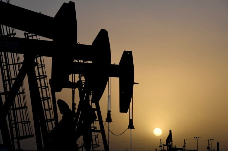 Oil Prices Jump after US Stockpiles Grow Less than Feared, Output Cuts Kick