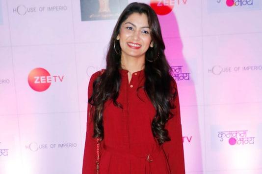 Sriti Jha Shoots For Kumkum Bhagya Promo From Home