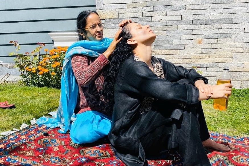 In Pics: Kangana Ranauts Mother Oiling Her Hair Amid Self-Quarantine Refreshes Childhood