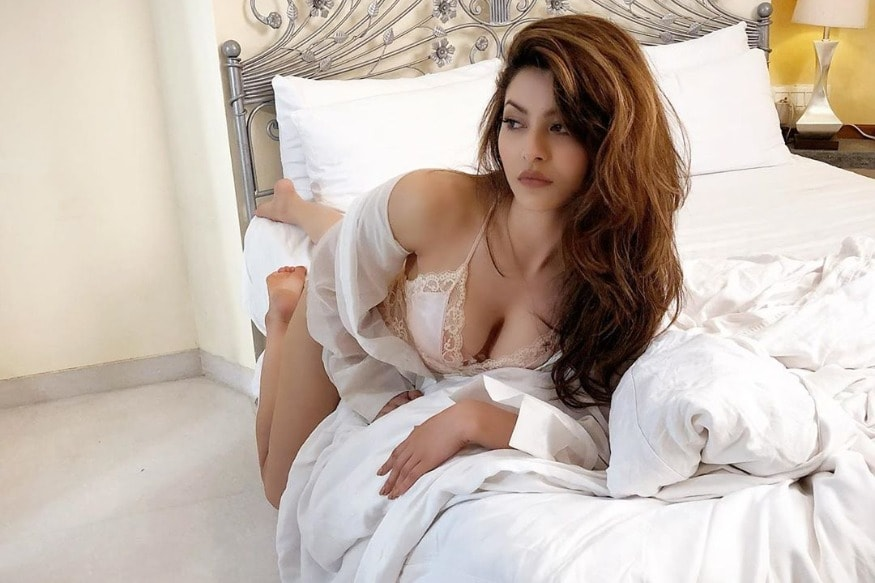 Urvashi Rautela Sets The Mercury Soaring With A Bedroom Pic, Asks Her Fans To Caption It