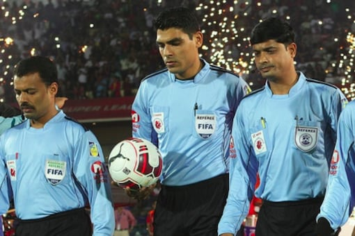 Referee (Photo Credit: ISL)