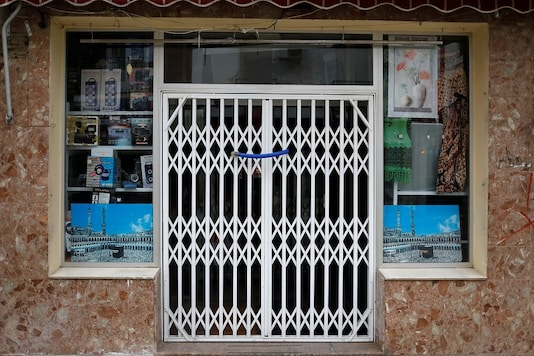 A store is seen closed during the lockdown amid the coronavirus disease (COVID-19) outbreak in Ronda, southern Spain, April 20, 2020. REUTERS/Jon Nazca