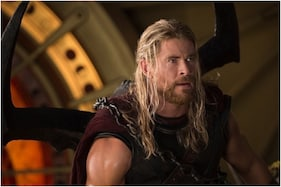 Did You Notice This Goof-up By 'Thor' Chris Hemsworth In Avengers Infinity War?