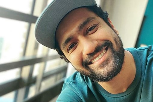 Vicky Kaushal Celebrates Homecoming Of COVID-19 Warrior Along With Neighbours