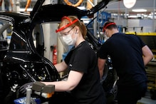 French Auto Workers Return to Factory Floors As Works Begin Amid COVID-19 Crisis