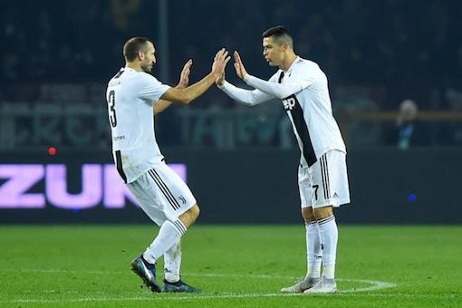 Giorgio Chiellini (L) and Cristiano Ronaldo (Photo Credit: Reuters)