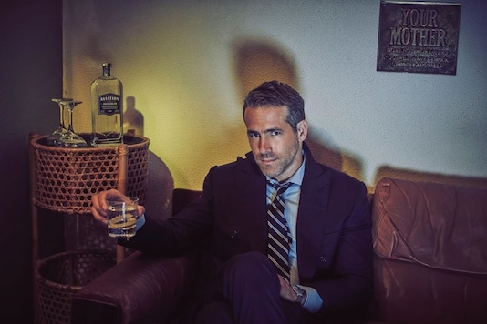 Ryan Reynolds Delivers Virtual Commencement, Free Pizza to Graduating Students of Alma Mater