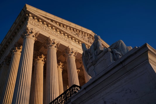 FILE PHOTO: The Supreme Court building exterior seen in Washington, US, January 21, 2020. (REUTERS/Sarah Silbiger/File Photo)