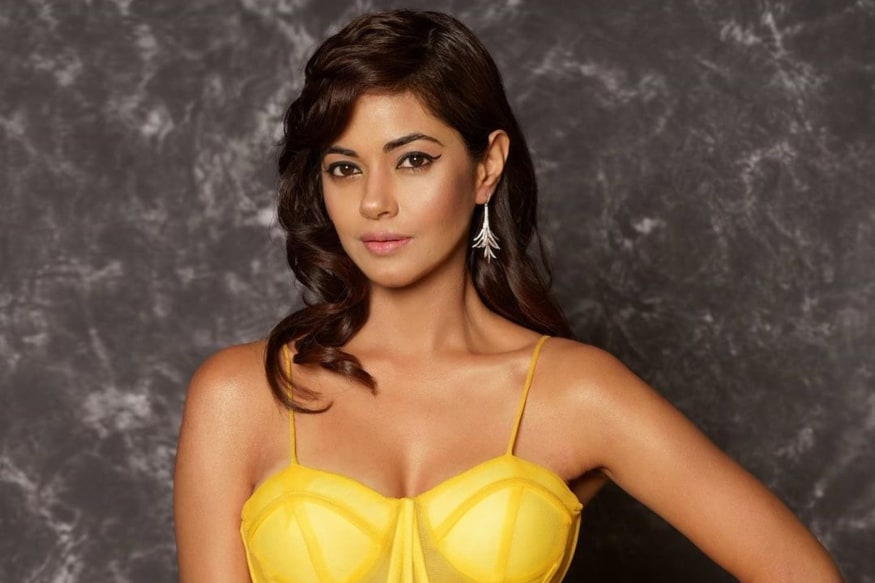 Priyanka Chopras Cousin Meeras Father Robbed at