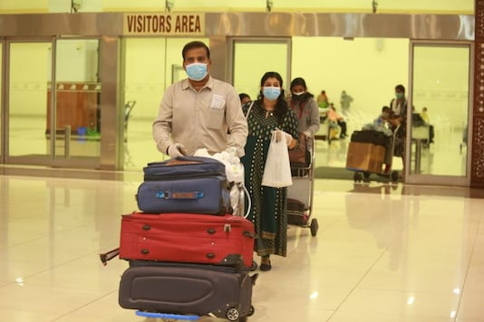 All incoming baggage were disinfected, before handing them over to the people. Among those who landed, pregnant ladies, those above 75 years of age and children below the age of 10 will be sent to their homes where they will be quarantined for 14 days. Passengers having underlying health issues will be moved to the hospitals for further treatment. (Image: News18 Kerala)